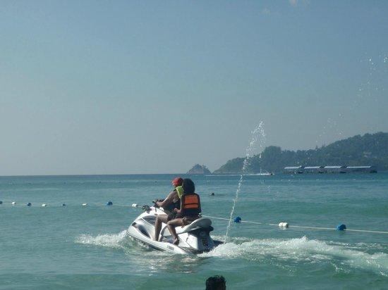 Patong Beach : Jetskiing