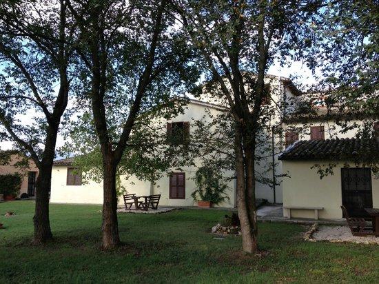 Agriturismo Ristorante Casa Cantone : Rückseite des Gebäudes - Kühle Zimmer