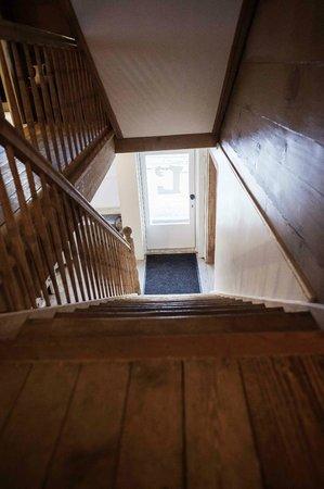 Lenk Lodge: Innenbereich/Korridor