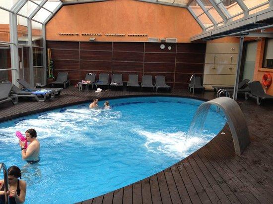 Rosamar & Spa : piscine intérieur