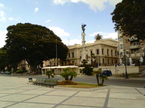 Monumento ai caduti- lungomare Falcomatà