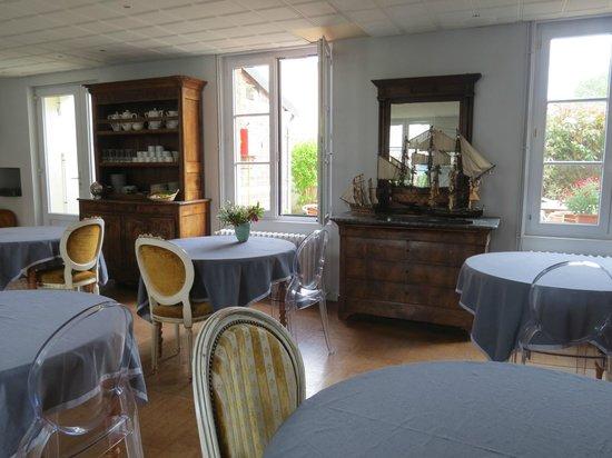 Hotel d'Angleterre Etretat: Комната для завтраков