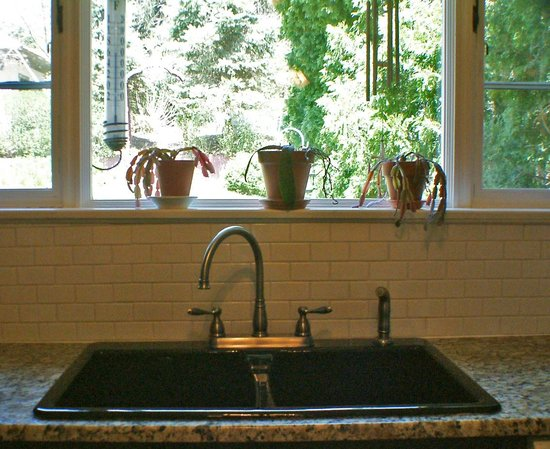Adamstown Inns & Cottages: New granite countertops
