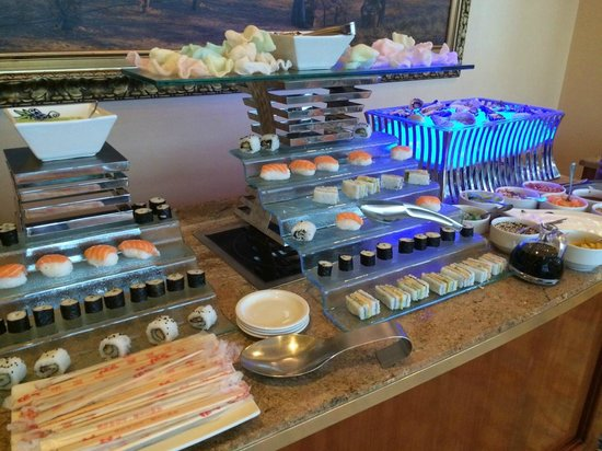 The Table Bay Hotel: Sushi for breakfast!