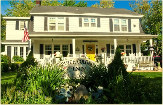 Dutch Colonial Inn : View from outside