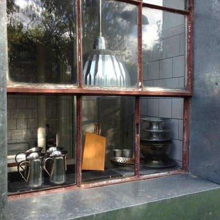 Casa Zinc: detalhe da cozinha