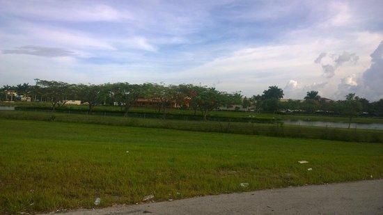 Hampton Inn Ft. Lauderdale West / Pembroke Pines: Hotel e áreas.