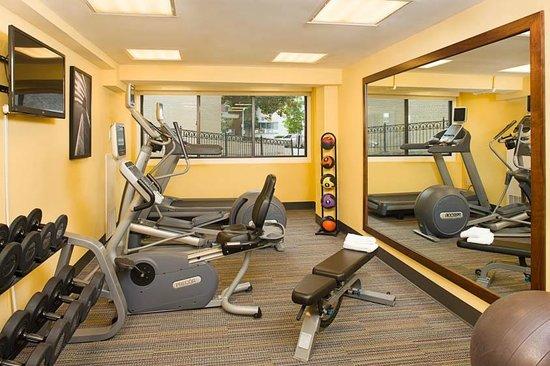 Residence Inn Washington, DC/Foggy Bottom : Enjoy our 24-hour Fitness Center