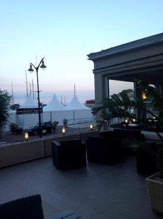 Inter Hotel Frisia : il balcone della camera al piano terra