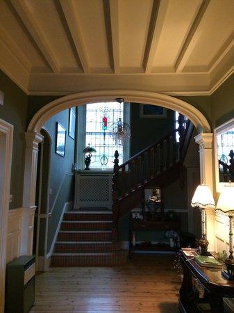 Chrialdon House: Entryway