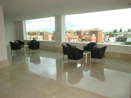 Hotel Granada Palace: Area de descanso de cada piso