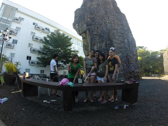 Chateau Royale Hotel Resort and Spa: 70ft Rock Climbing