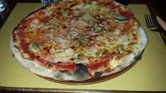Osteria Delle Pietre: Pizza with funghi porcini mushrooms
