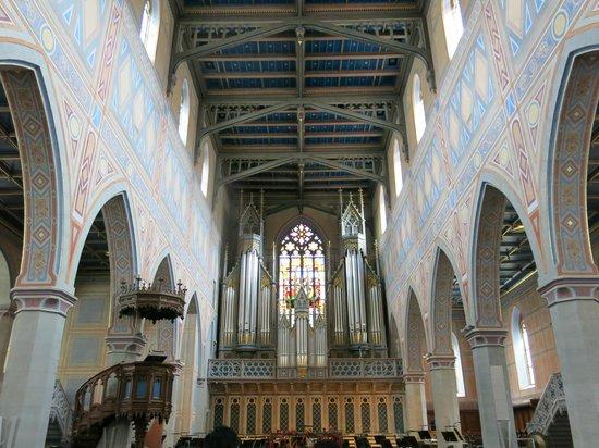 St. Laurenzen: ลวดลายผนังใสโบสถ์