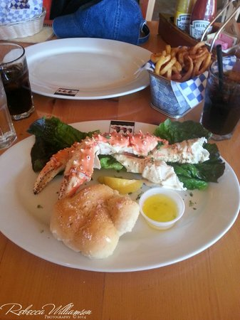 Twisted Fish Company Alaskan Grill: Alaskan King Crab... Yum!