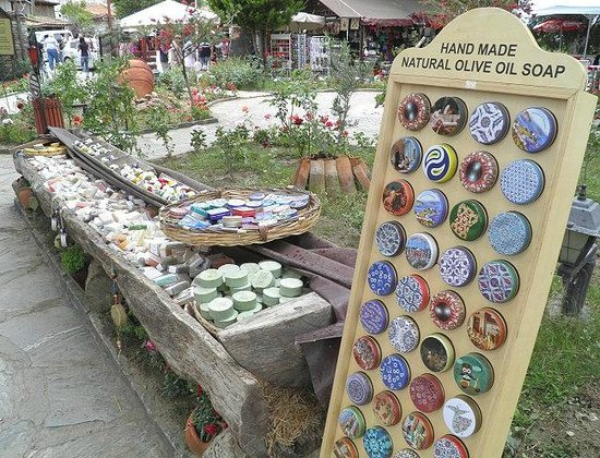 Sirince Artemis Restaurant and Wine House: Soap sale in the garden