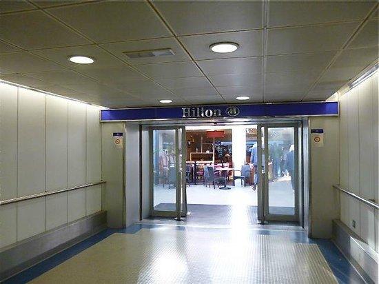 YOTELAIR Gatwick   Hotel Inside Gatwick Airport   YOTEL