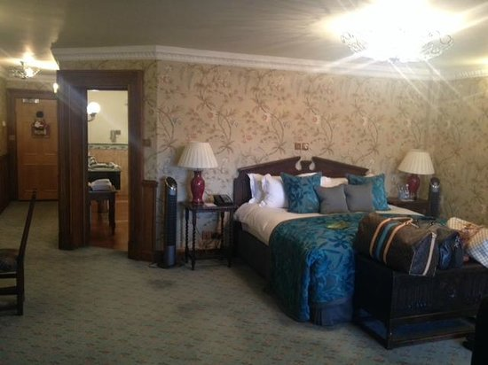 Pennyhill Park, an Exclusive Hotel & Spa : Our Deluxe Junior Suite Room