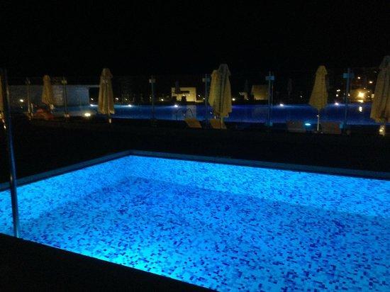 Puravida Resort Blue Lagoon: Night view from the suite