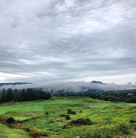 Country Club of Vermont: Rainy day over the course
