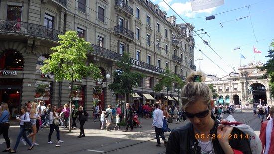 Hotel Schweizerhof Zurich: Great location
