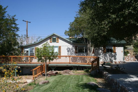 "Sierra Gateway Cottages: The ""Isabella Lakehouse"" our largest rental option"