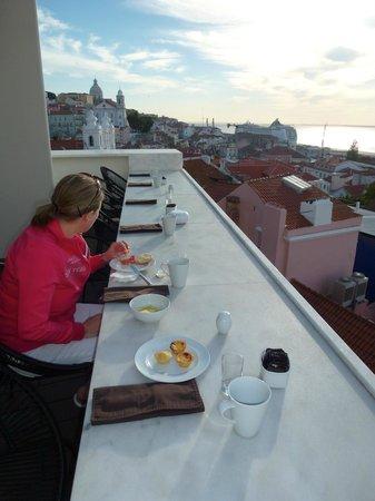 Memmo Alfama Hotel : …traumhafte Aussicht
