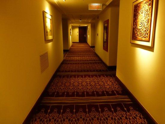 JW Marriott Hotel Bangkok: Hallway