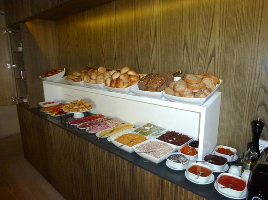 Memmo Alfama Hotel : Das Buffet