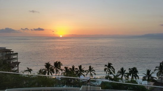 Garza Blanca Preserve, Resort & Spa: Sunset from the Terrace of Bacados Restaurant just before the