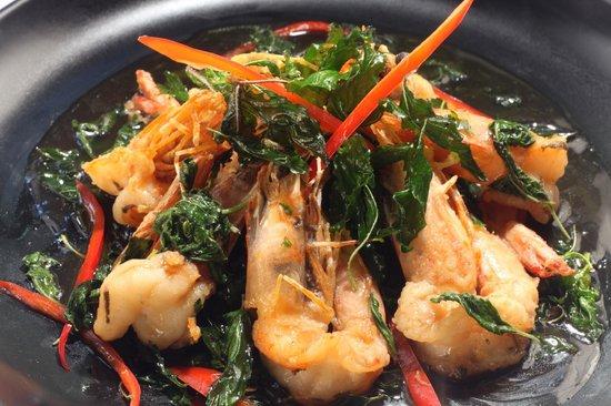Bamboo Kitchen: Fried Prawn with Thai basil