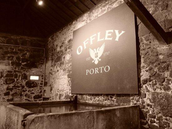 Offley Cellars : signs