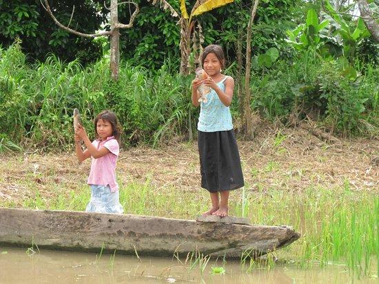 Muyuna Amazon Lodge : Locals