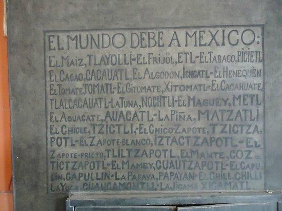 Palacio Nacional: Pequeno mural onde Rivera relaciona o que o mundo deve ao México
