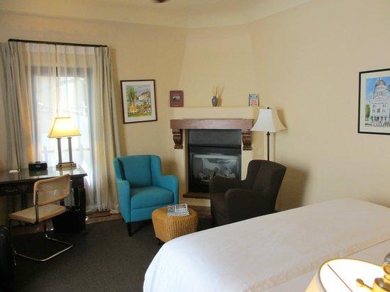 Spanish Garden Inn: Our Room