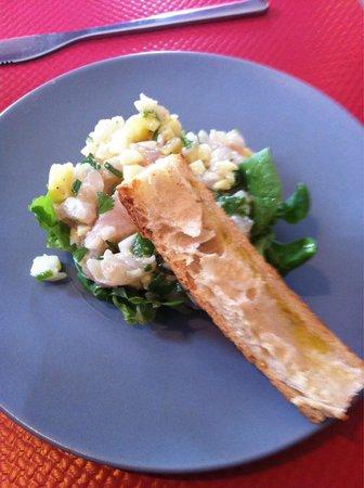 Le Cass' Poï : Tartare de dorade avec gingembre, citron-citron vert
