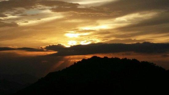 Strawberry Hill : Sunset