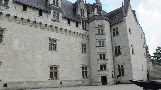 Château de Montsoreau : vue de la cour intérieur