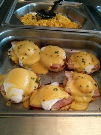 Top of the Park Restaurant: Eggs Benedict, My Favorite