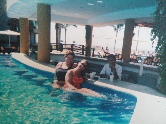 Barcelo Grand Faro Los Cabos: pool bar