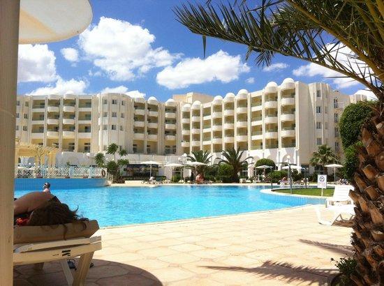 El Mouradi Hammamet: La piscine calme et agréable