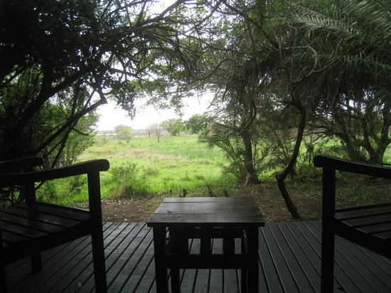 Makakatana Bay Lodge: view from the veranda