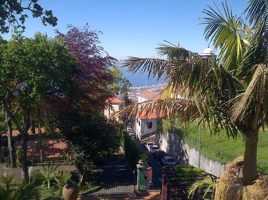 Quinta do Monte : Surplombant Funchal : Vue de la terrasse de la chambre