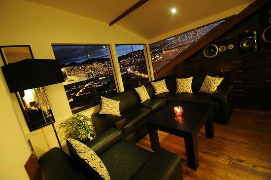 Wara Wara Lounge