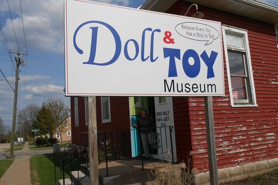 Fennimore Doll and Toy Museum and Gift Shoppe: I'm An Old Guy And I Loved It