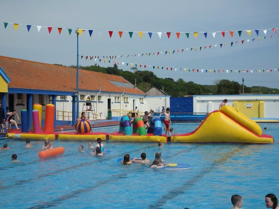 Stonehaven Open Air Swimming Pool: Fun on the Swoopee, opening day 2014