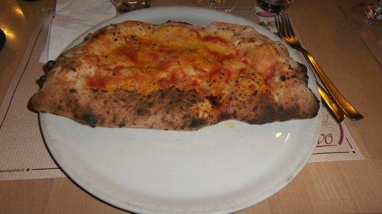 Pizzeria Salvo: Calzon-ricottone solo ricotta e altri ingredienti inesistenti.