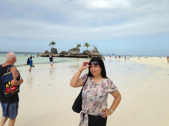 Crown Regency Prince Resort: after mass, short walk by the beach