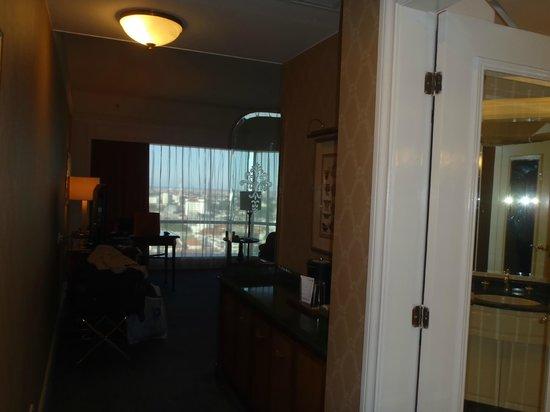 JW Marriott Hotel Surabaya : Room