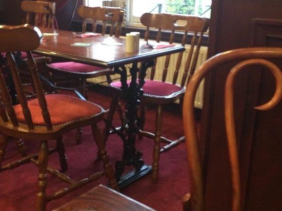 Castle Tavern: Beautiful ironwork table legs